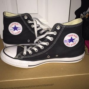 Black converse worn x2